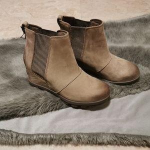 Sorel boots bnwt size 8